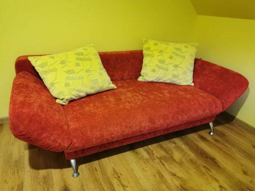 Sofa-lova su dėže patalynei