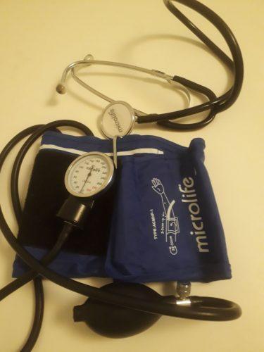 kraujospudzio matuoklis su stetoskopu
