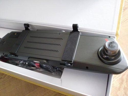 Naujas registratorius veidrodyje ir galinio vaizdo kamera
