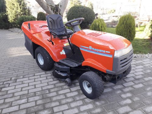 Parduodami sodo traktoriukai