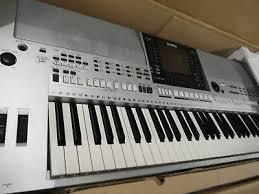 Yamaha PSR SX900, Korg Pa4X 76, Roland JUNO  1 825 994-3253