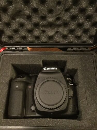 """Canon EOS 5D Classic Camera-28-135mm Ultragarsiniai objektyvų filtrai-Blykstės priedai"""""""